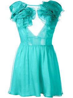 платье с рюшами на плечах Daniele Carlotta