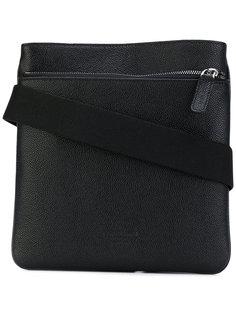 фактурная сумка-почтальонка Giorgio Armani