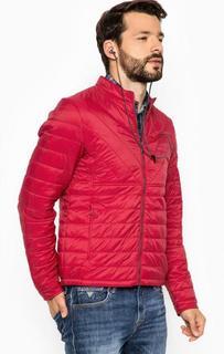 Красная куртка с наполнителем Guess