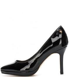 Лаковые черные туфли на каблуке Menbur