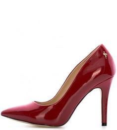 Красные туфли из лакированного материала Menbur