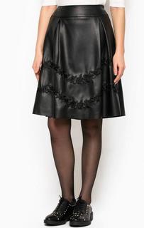 Черная юбка с вышивкой Silvian Heach