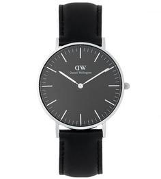 Часы с черным кожаным браслетом Daniel Wellington