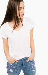 Базовая футболка с треугольным вырезом Silvian Heach