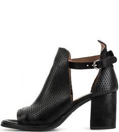 Черные кожаные босоножки на каблуке Mjus