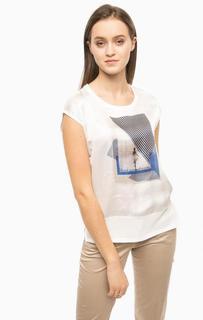Белая футболка с круглым вырезом More & More