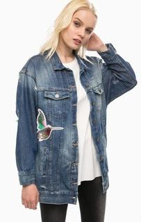 Удлиненная джинсовая куртка с потертостями и рваными деталями Fornarina