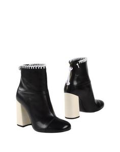 Полусапоги и высокие ботинки McQ Alexander Mc Queen