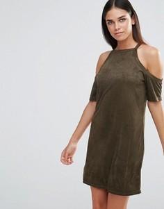 ba089a572e7 Платье из искусственной замши с открытыми плечами AX Paris - Зеленый
