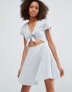 Платье с вырезом спереди Glamorous - Белый