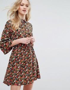 Платье с воротником и расклешенными рукавами Influence - Мульти