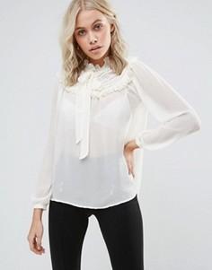Блузка с оборками на груди QED London - Белый