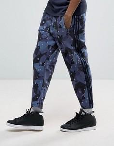 Джоггеры с камуфляжным принтом adidas Originals Tokyo Pack NMD BK2213 - Мульти