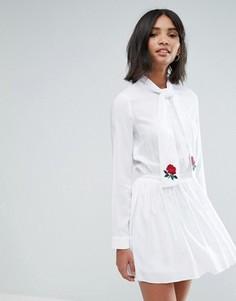 Платье с бантом, вышивкой и юбкой в складку Unique 21 - Белый