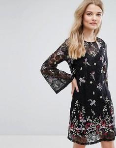 Короткое приталенное платье с кружевом и вышивкой New Look - Черный