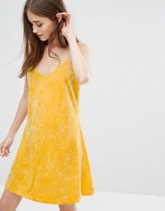 Бархатное платье-майка Weekday - Желтый