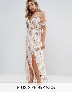 Платье макси с открытыми плечами и цветочным принтом Boohoo Plus - Мульти