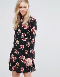 Платье с расклешенными рукавами Influence - Черный