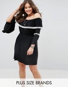 Платье с открытыми плечами и помпонами Boohoo Plus - Черный