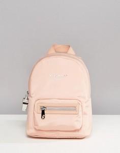 Миниатюрный нейлоновый рюкзак бледно-розового цвета Fiorelli Sport Strike - Розовый