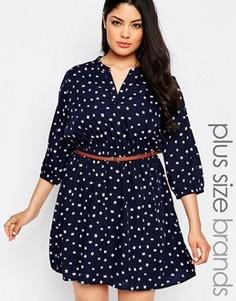 Короткое приталенное платье с лисицами и ремнем Yumi Plus - Темно-синий