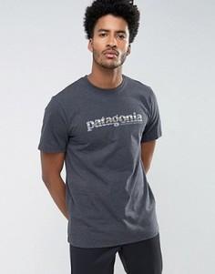 Серая меланжевая футболка классического кроя с принтом Patagonia - Серый
