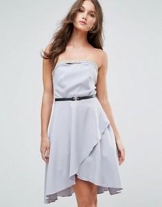 Платье-бандо с декоративной отделкой и ремнем Little Mistress - Серый