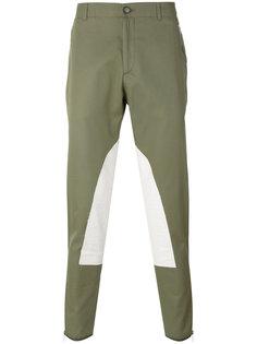 брюки-чинос с заплатками Alexander McQueen