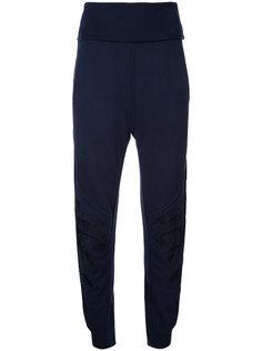брюки с вышивкой перьев Stella McCartney