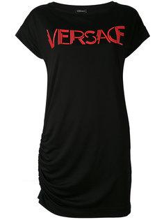 платье-футболка с принтом-логотипом Versace