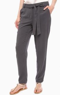 Зауженные брюки с поясом на талии More & More