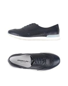 Низкие кеды и кроссовки Oroscuro