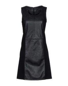 Короткое платье Oakwood