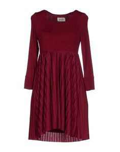 Короткое платье Niu
