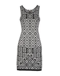 Короткое платье Charlie Jade