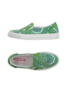Низкие кеды и кроссовки Roda AT THE Beach