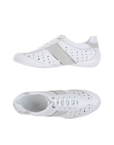Низкие кеды и кроссовки Guess