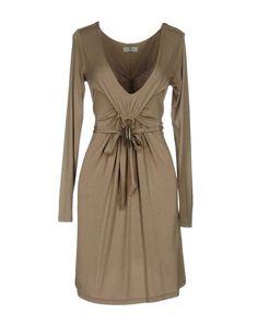 Короткое платье ...Love IS Love!...