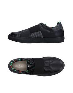 Низкие кеды и кроссовки LE Crown