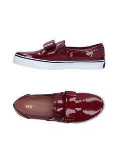 Низкие кеды и кроссовки Red(V)