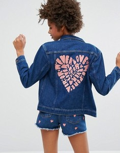 Джинсовая куртка с принтом на спине Monki - Синий