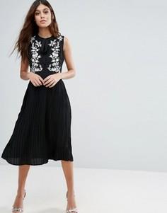 Короткое приталенное платье с вышивкой Little White Lies Anouk - Черный