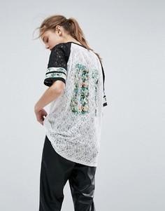 Кружевная футболка с тропическим принтом ASOS - Мульти
