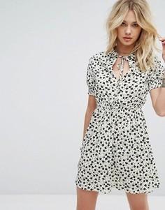 Платье с воротником и присборенными манжетами Influence - Белый