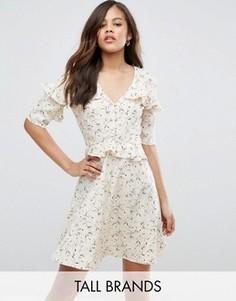 Чайное платье с оборками Influence Tall - Кремовый
