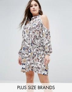 Свободное платье с цветочным принтом и вырезами на плечах Boohoo Plus - Мульти