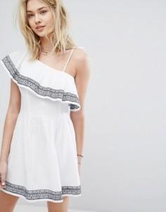 Платье на одно плечо с вышивкой и оборкой Abercrombie & Fitch - Белый