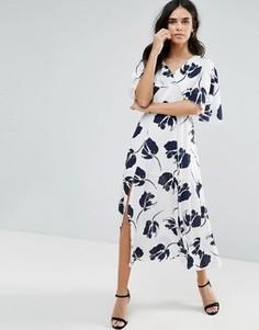 Платье миди с крупным цветочным принтом Liquorish - Белый