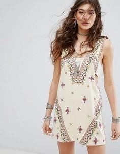 Платье мини с вышивкой Free People Never Been - Мульти