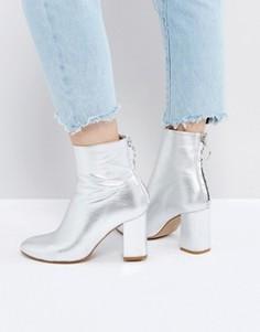 Кожаные ботинки на молнии ASOS EDITION - Серебряный
